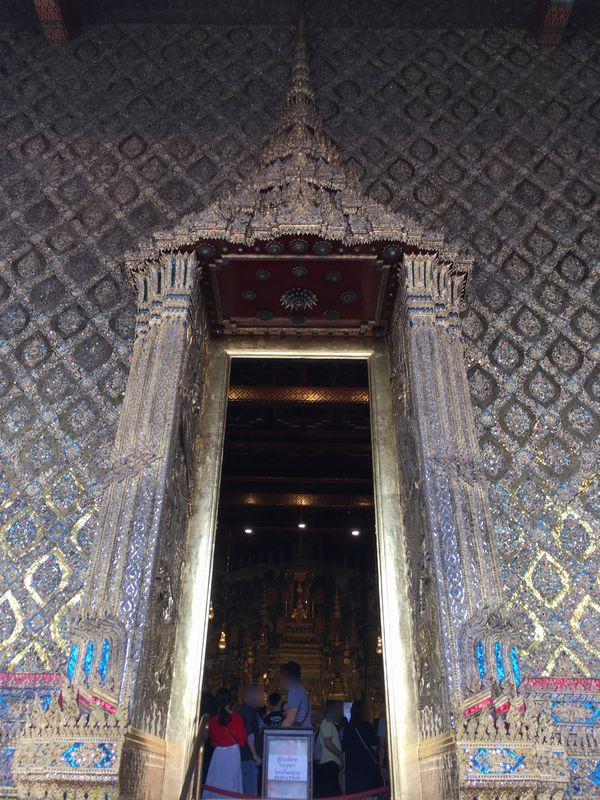 タイ バンコク ワット・プラケオ 本堂 入り口