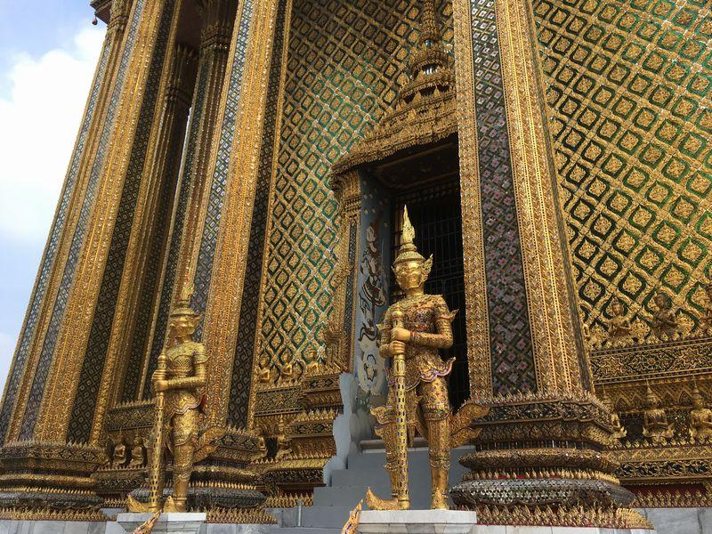 タイ バンコク ワット・プラケオ プラ・モンドップ ヤック