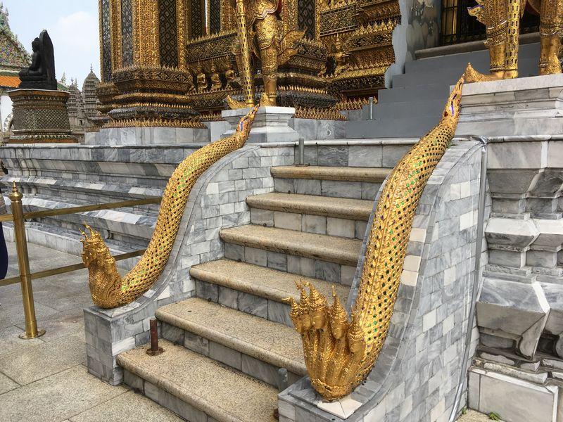 タイ バンコク ワット・プラケオ プラ・モンドップ ナーガ