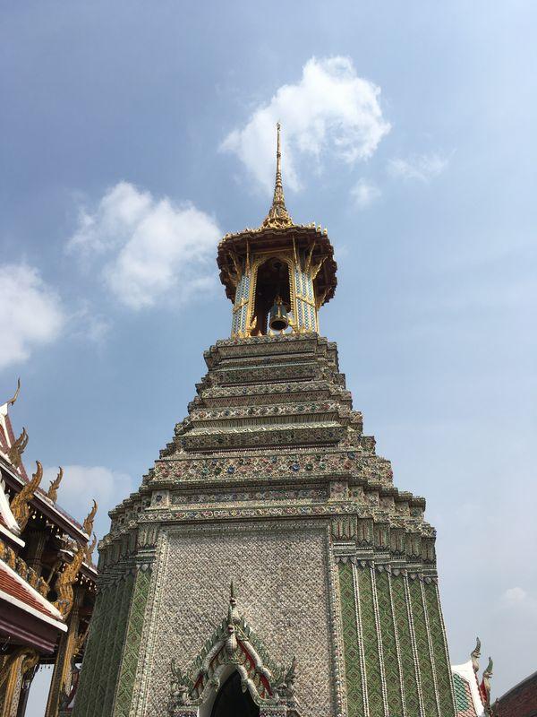 タイ バンコク ワット・プラケオ 鐘楼