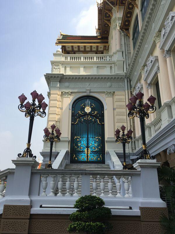 タイ タイ バンコク 王宮 チャクリーマハープラサート宮殿 チャクリー宮殿 ドアバンコク 王宮 チャクリーマハープラーサート宮殿 チャクリー宮殿 ドア