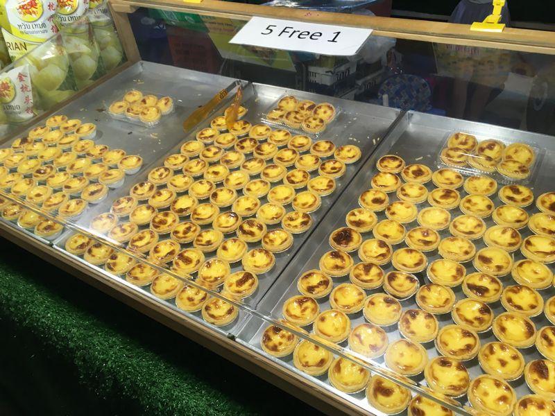 タイ バンコク ナイトマーケット タラート・ロットファイ・ラチャダー 屋台 デザート