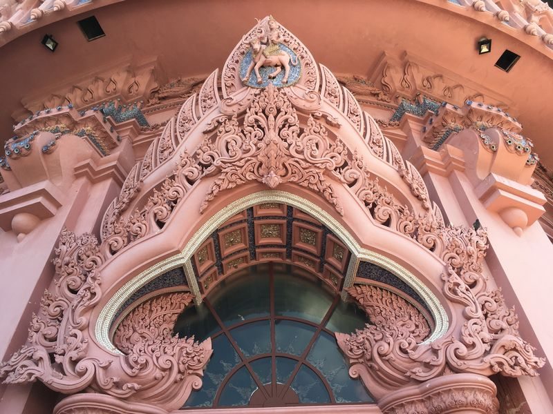 タイ エラワンミュージアム 彫刻