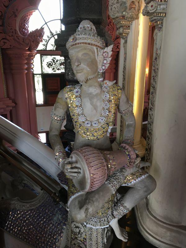 タイ エラワンミュージアム 像 楽器