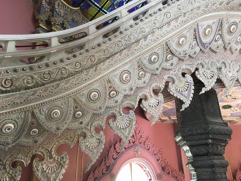 タイ エラワンミュージアム 階段 装飾