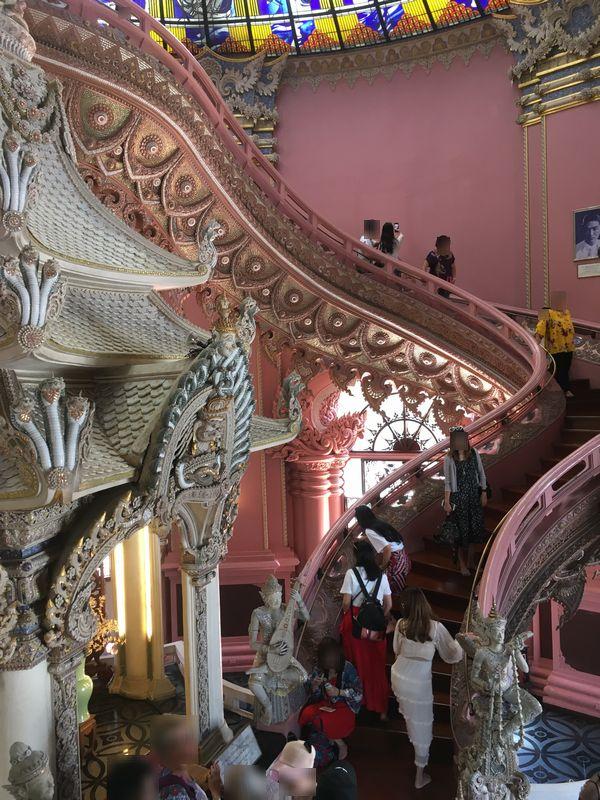 タイ エラワンミュージアム 階段