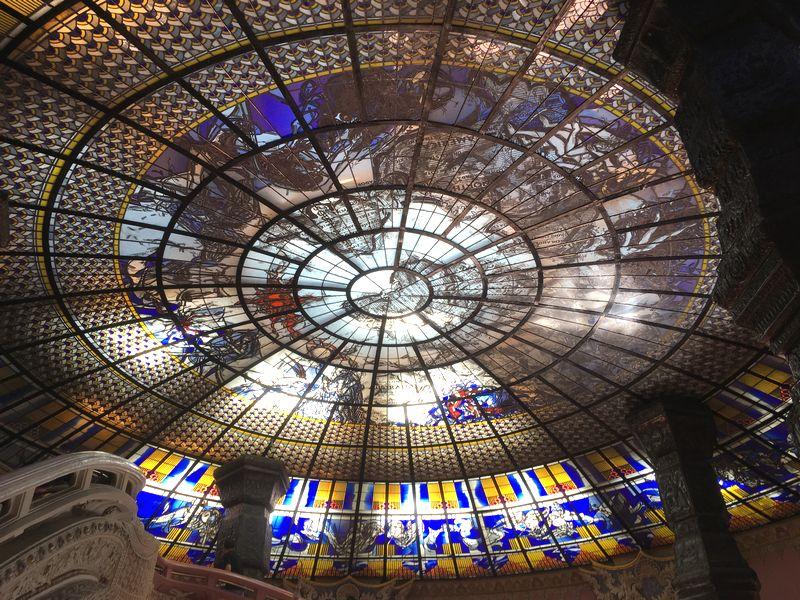 タイ エラワンミュージアム 天井 ステンドグラス