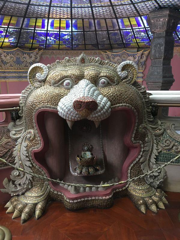 タイ エラワンミュージアム 天井 動物