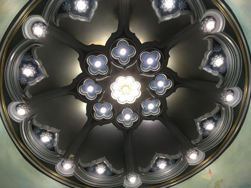 タイ エラワンミュージアム 天井 照明