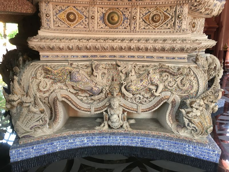 タイ エラワンミュージアム 彫刻 装飾