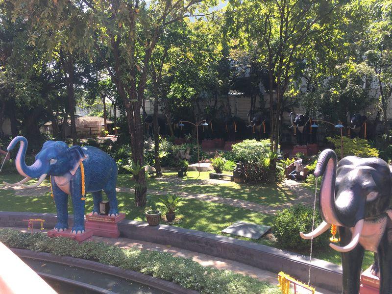 タイ エラワンミュージアム 象 噴水