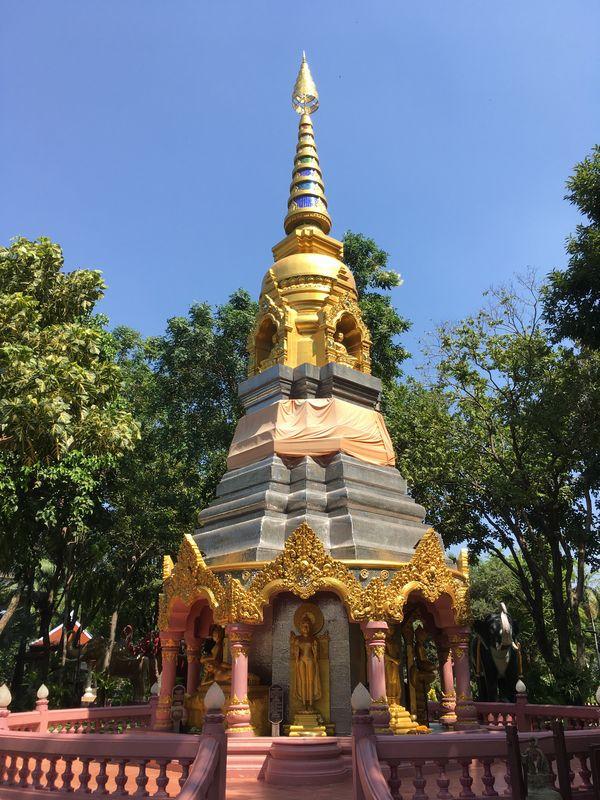 タイ エラワンミュージアム 仏塔