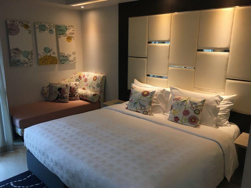 タイ バンコク ホテル クローバー アソーク HOTEL CLOVER ASOKE 部屋 ベッド