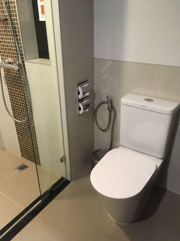 タイ バンコク ホテル クローバー アソーク HOTEL CLOVER ASOKE 部屋 トイレ
