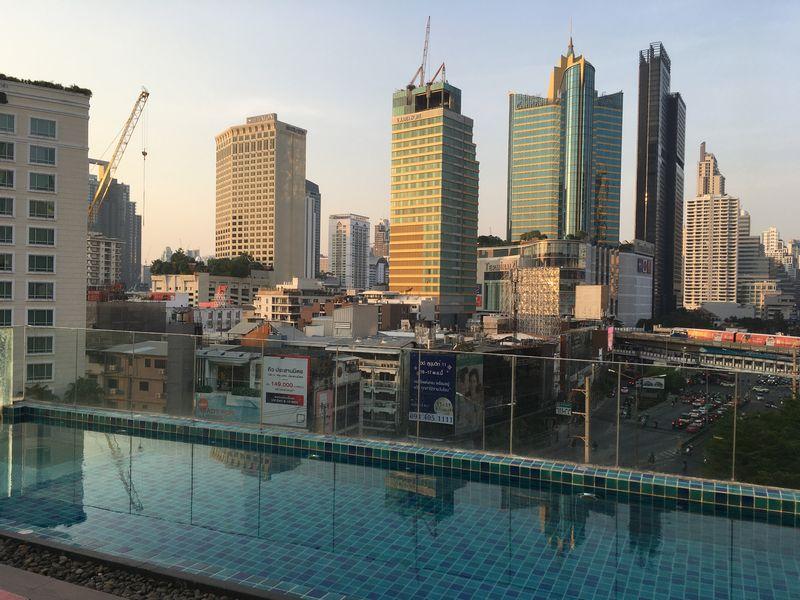 タイ バンコク ホテル クローバー アソーク HOTEL CLOVER ASOKE 屋上 プール