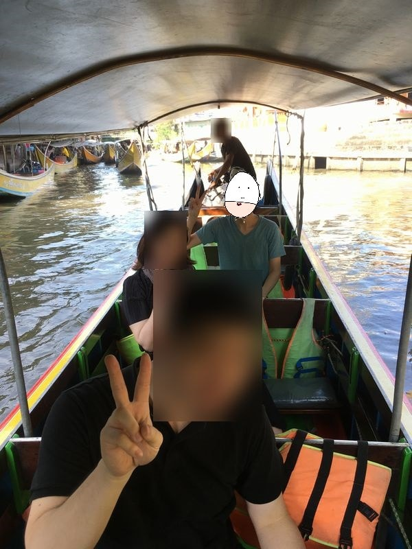 タイ 水上マーケット エンジンボート 川 運河 水路