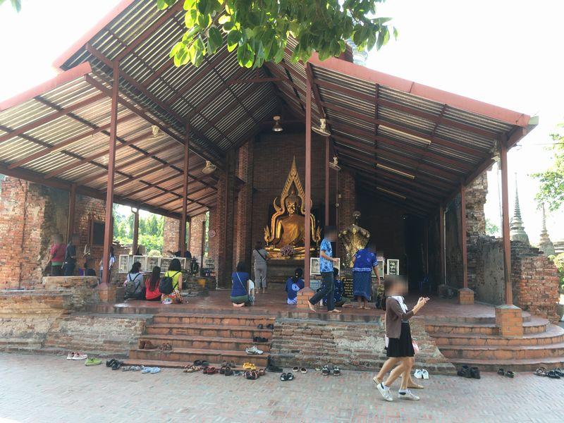タイ アユタヤ遺跡 ワット・ヤイ・チャイ・モンコン 黄金 釈迦仏