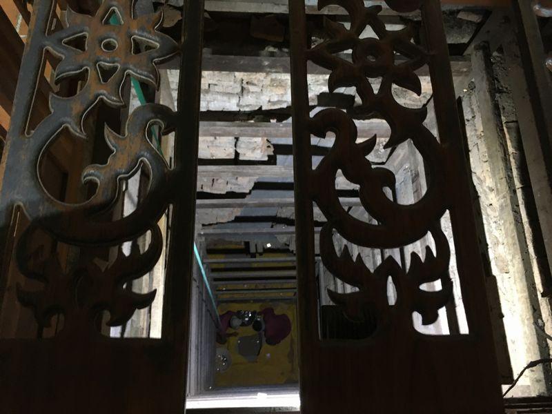 タイ アユタヤ遺跡 ワット・ヤイ・チャイ・モンコン 大仏塔 井戸 穴
