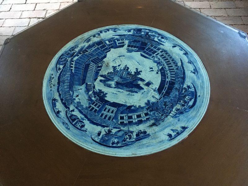 タイ バンコク ジム・トンプソンの家 テーブル 陶板