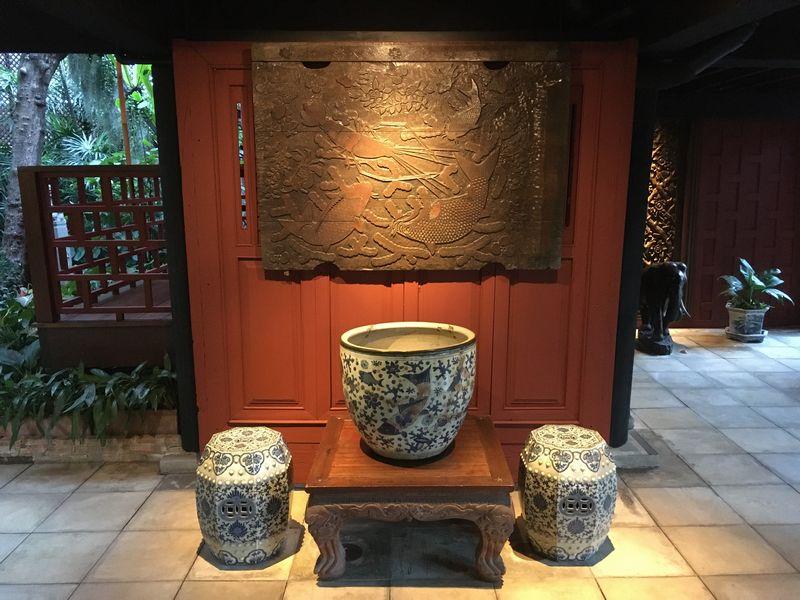 タイ バンコク ジム・トンプソンの家 魚 彫刻