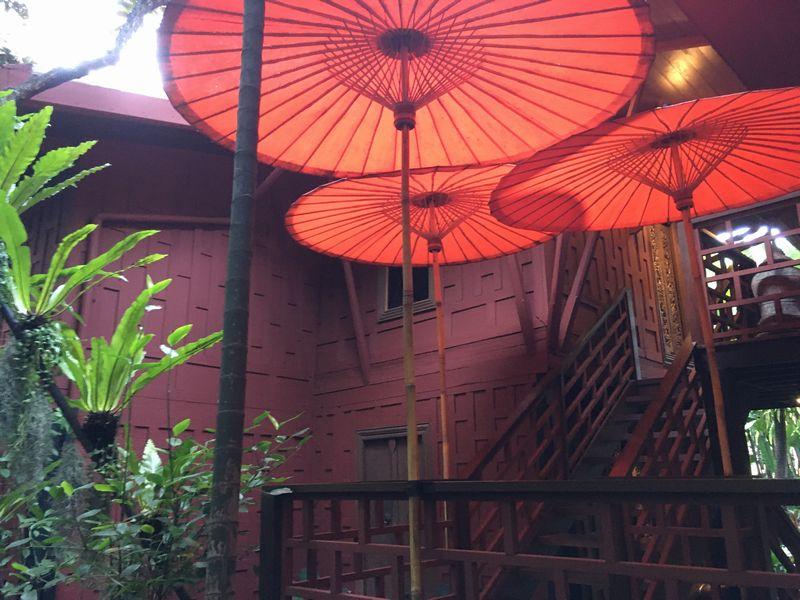 タイ バンコク ジム・トンプソンの家 傘