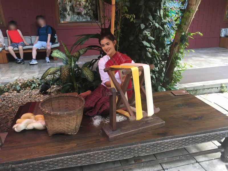 タイ バンコク ジム・トンプソンの家 シルク作り 糸