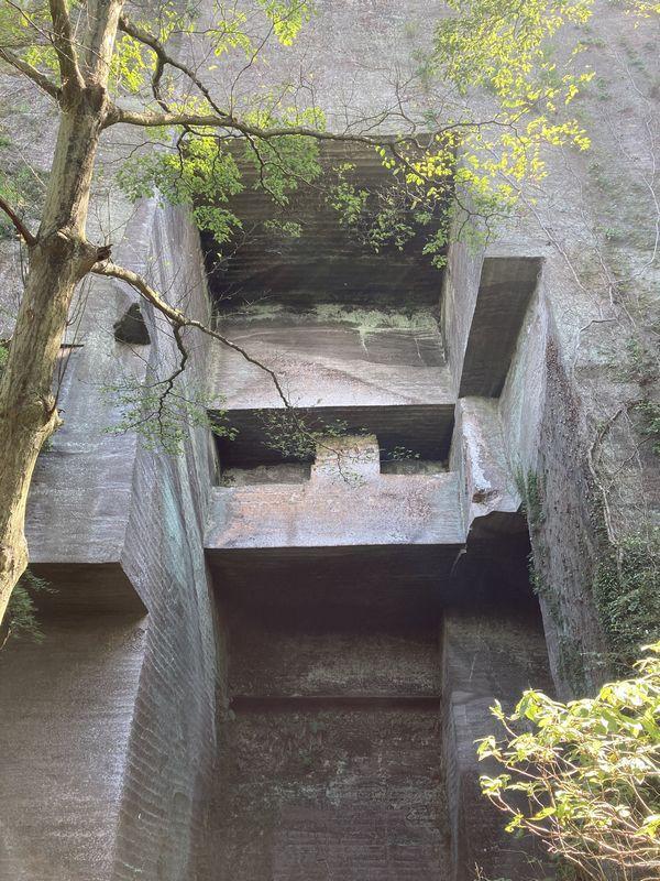 鋸山 石切場
