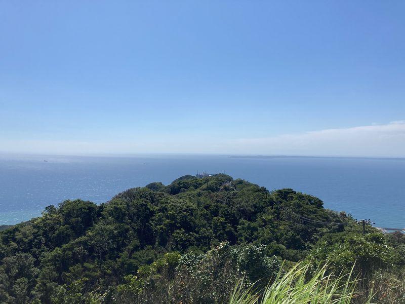鋸山 東京湾を望む展望台(地球が丸く見える展望台) ロープウェー山頂駅方面